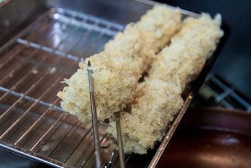 The essential points and minutia of tonkatsu, as told by a pro 4